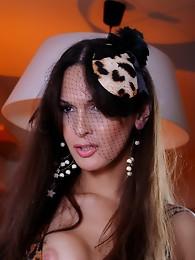 Stunning Nikki posing as an Amazon chick