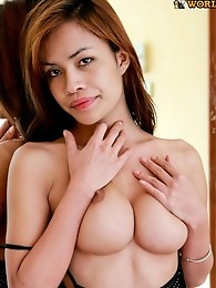 Super cute ladyboy that is very convincing!