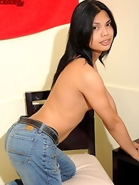 Mikee is a Cute and Horny Ladyboy in Manila.